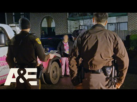 Cops Called When a Caregiver Refuses To Let Her Car Get Towed | Hustle & Tow | A&E